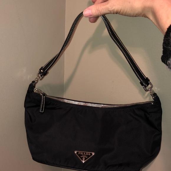 ead4214fb41606 Prada Nylon Shoulder Bag, Leather Strap EUC. M_5c4747256a0bb7e019bdb423